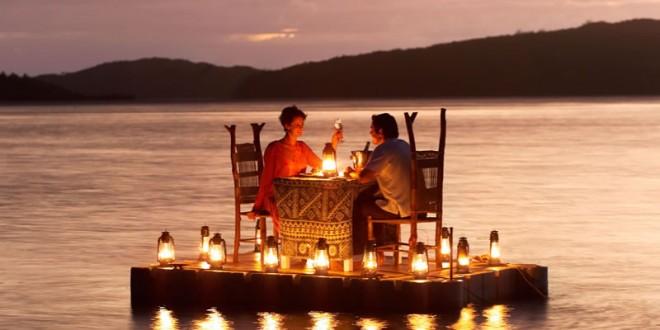 romantic dinner on th water
